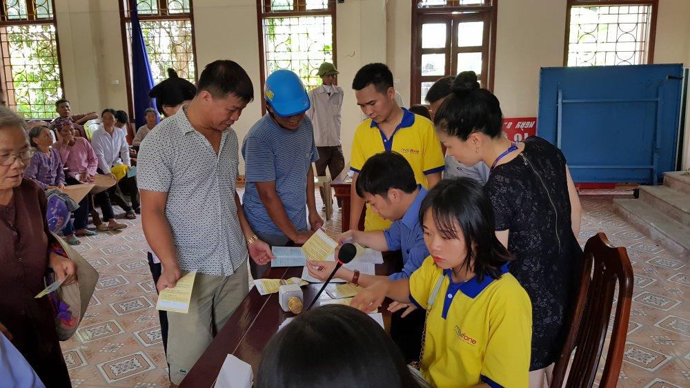 MobiFone day manh trien khai lap dat hon 90.000 dau thu DVB-T2 cho dan ngheo Nam Dinh, Ninh Binh hinh anh 1