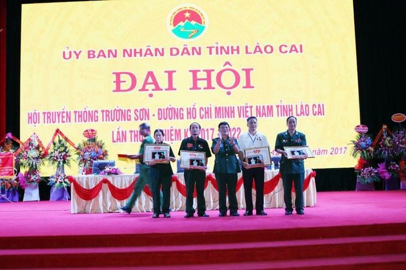 Tra Duong Tam An Than cua 'than y pho nui' Pham Trong Hung hinh anh 5
