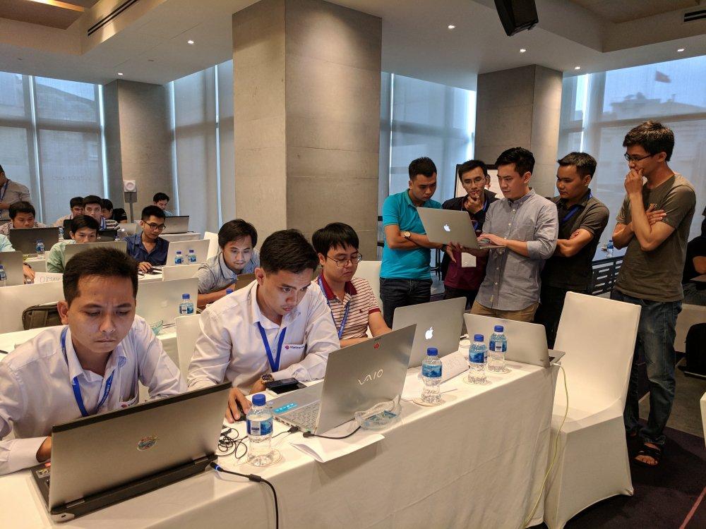 Lan dau tien Google to chuc PWA / AMP Hackathon tai Viet Nam hinh anh 7