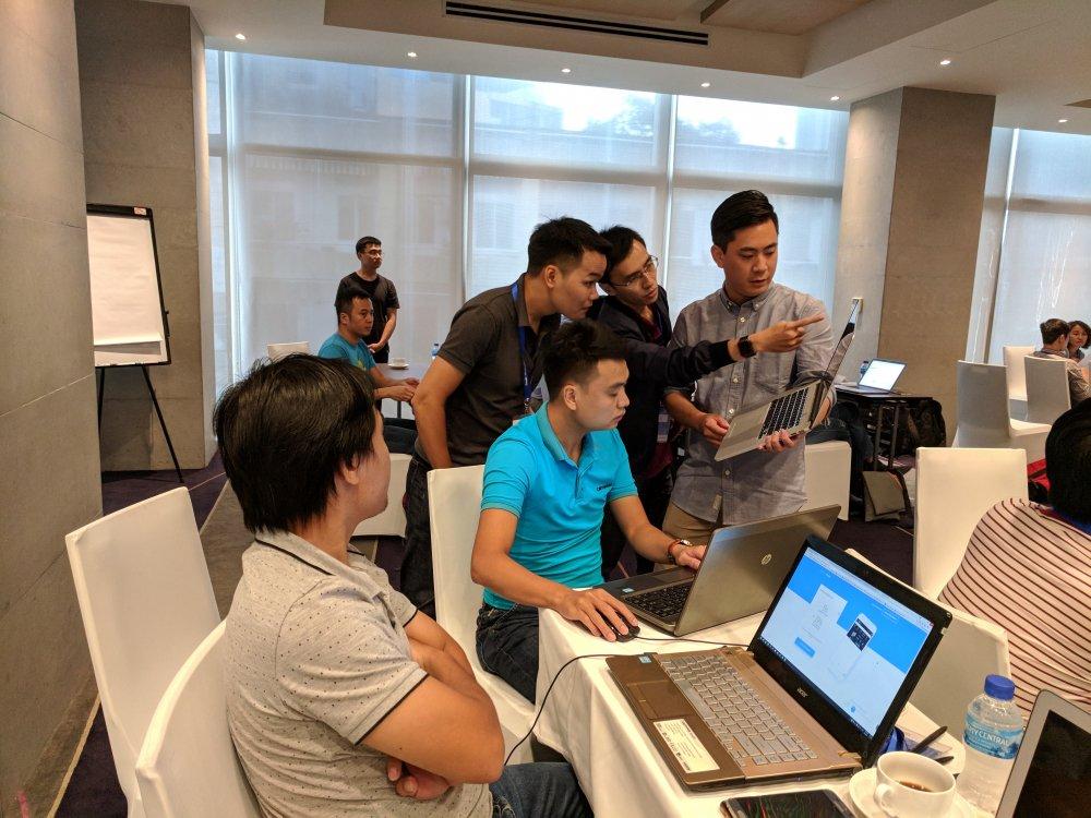 Lan dau tien Google to chuc PWA / AMP Hackathon tai Viet Nam hinh anh 6