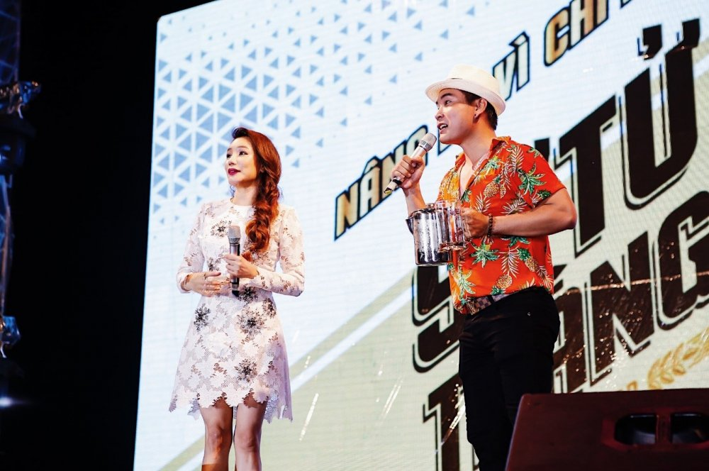 5.000 anh em doi mua tham du 'le hoi bia Su Tu Trang – Nang ly vi chi lon' tai Cao Lanh, Dong Thap hinh anh 3