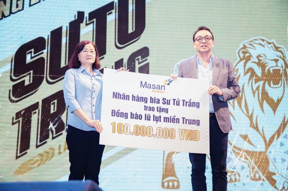5.000 anh em doi mua tham du 'le hoi bia Su Tu Trang – Nang ly vi chi lon' tai Cao Lanh, Dong Thap hinh anh 4