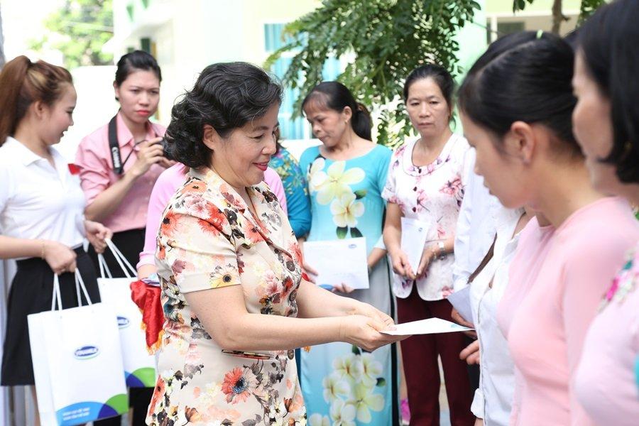 10 nam tien phong va dong hanh cung chuong trinh 'Sua hoc duong' vi mot Viet Nam vuon cao hinh anh 3