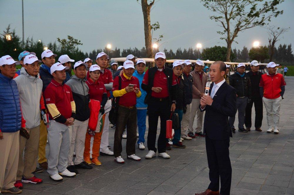 Giai SMic Golf Challenge Tournament 2017 chinh thuc khai mac voi hon 1000 gon thu tham gia tranh tai hinh anh 1