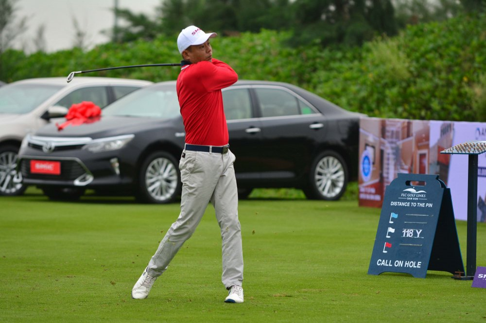 Giai SMic Golf Challenge Tournament 2017 chinh thuc khai mac voi hon 1000 gon thu tham gia tranh tai hinh anh 3
