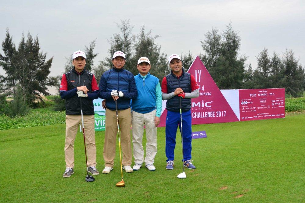 Giai SMic Golf Challenge Tournament 2017 chinh thuc khai mac voi hon 1000 gon thu tham gia tranh tai hinh anh 6