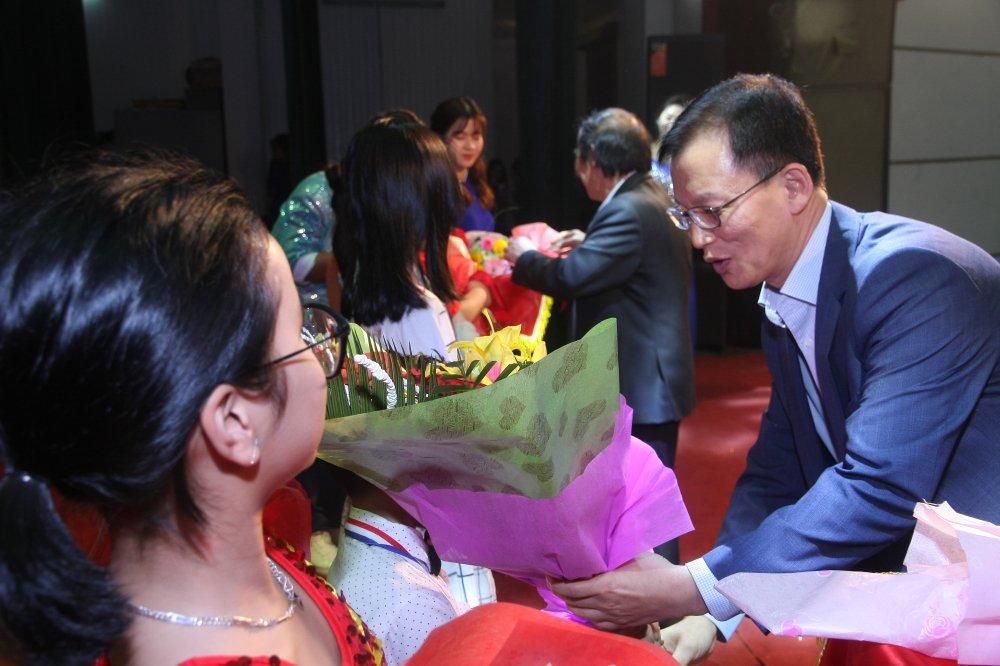 Chung ket 'Cung Duc Viet thap sang nhung Ngoi sao buoi som' lan thu 3 – 2017 hinh anh 1