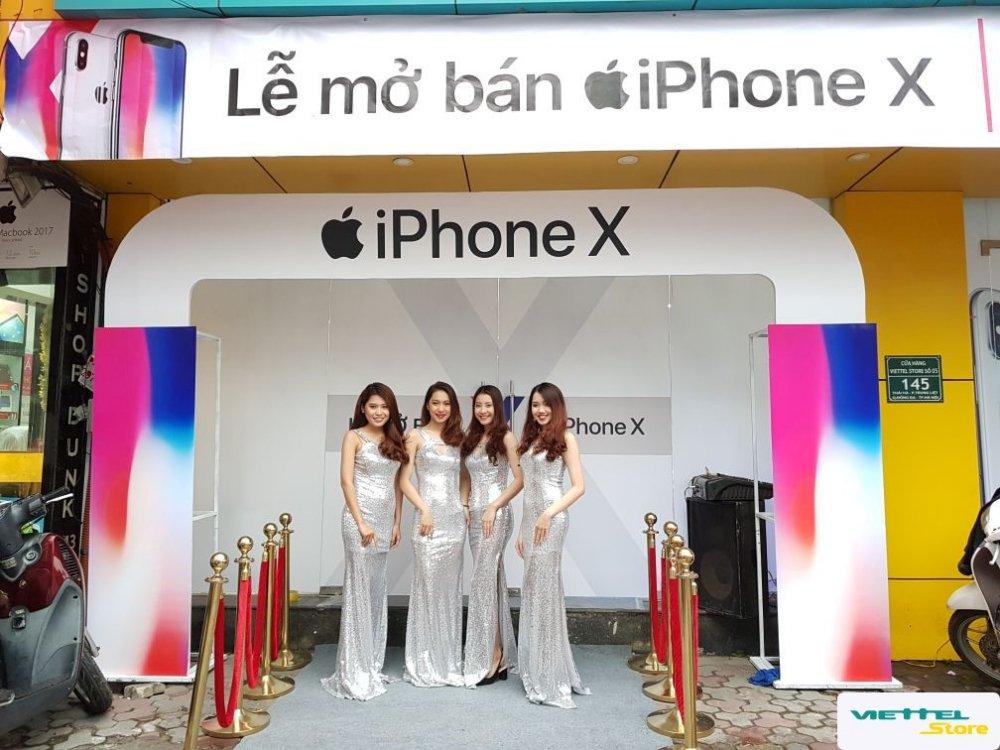 Tro gia 4 trieu dong, iPhone X chinh hang tai Viettel Store vua mo ban da thu ve doanh thu ky luc hinh anh 2