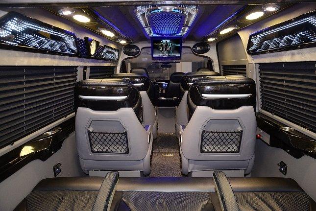 Kham pha xe limousine sieu sang DCar X hinh anh 2