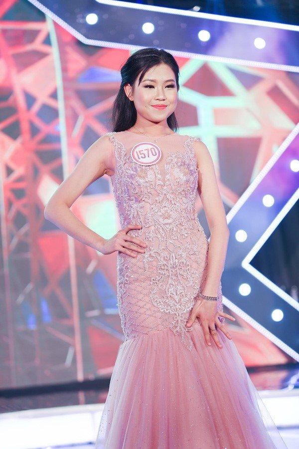 Nu sinh 'van nguoi me' Nguyen Bui Nam Phuong dang quang Ngoi sao tuoi Teen 2017 hinh anh 17
