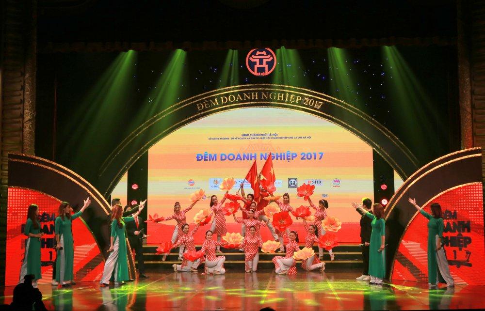 Ton vinh cac thuong hieu hang dau trong 'Dem Doanh nghiep 2017' hinh anh 2