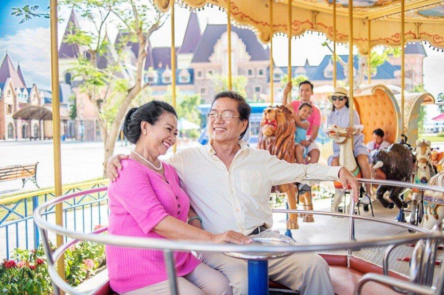 Lac loi giua ngan hoa Tuy-lip tai Vinpearl Land Nha Trang hinh anh 18