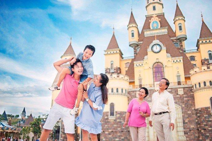Lac loi giua ngan hoa Tuy-lip tai Vinpearl Land Nha Trang hinh anh 19