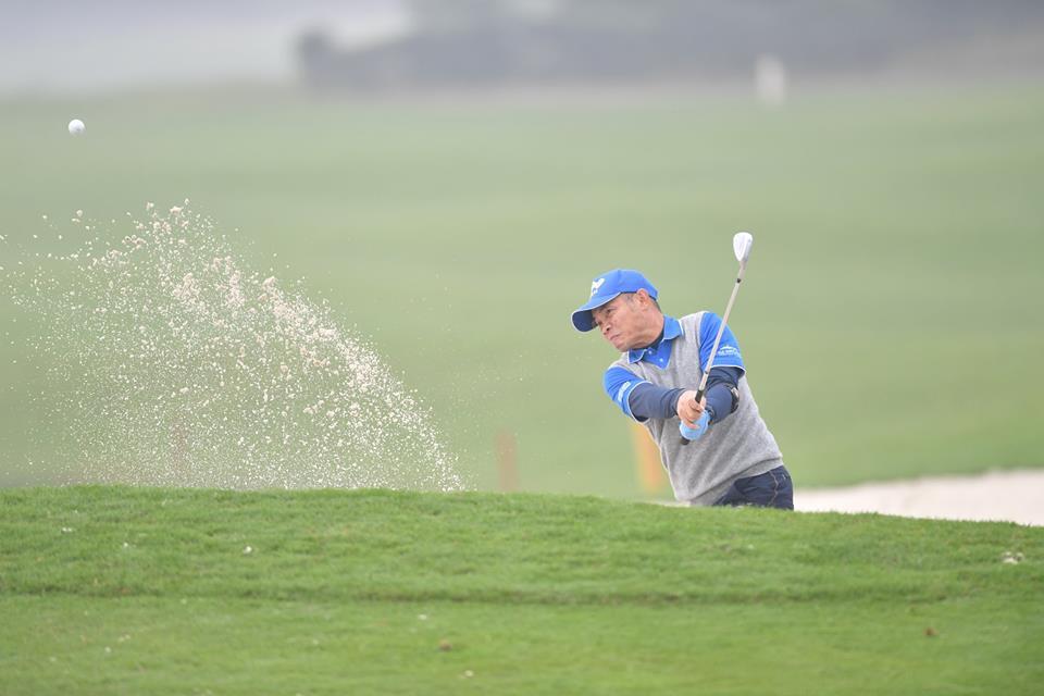 Golfer nguoi Lao Chanpasit Ounaphom vo dich giai FLC Golf Championship 2018 hinh anh 4
