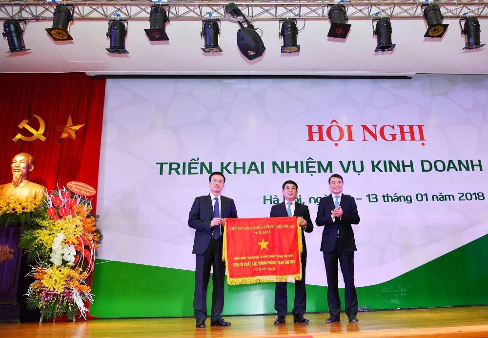 Vietcombank to chuc Hoi nghi trien khai nhiem vu kinh doanh nam 2018 hinh anh 2