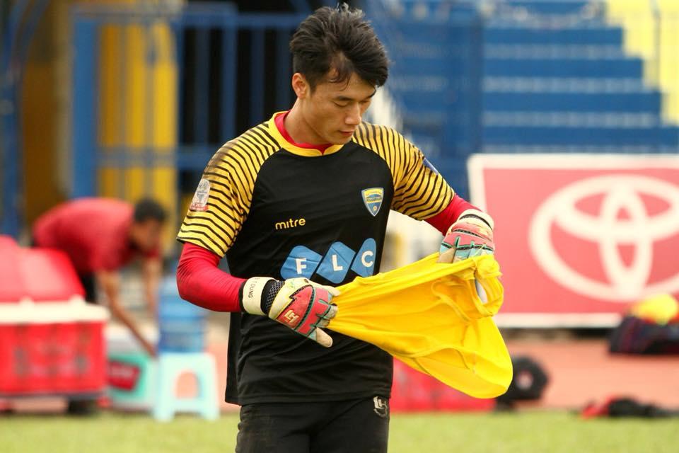 Chu tich FLC Trinh Van Quyet thuong nong thu mon Tien Dung va U23 Viet Nam hinh anh 1
