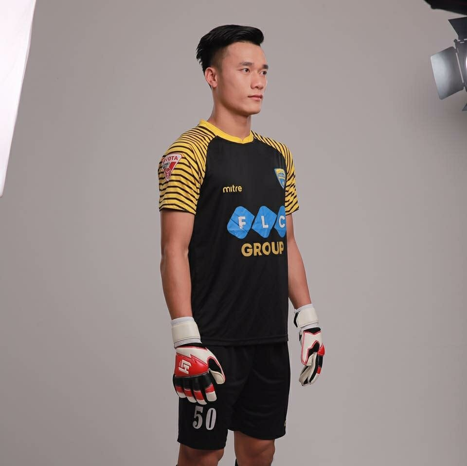Chu tich FLC Trinh Van Quyet thuong nong thu mon Tien Dung va U23 Viet Nam hinh anh 4