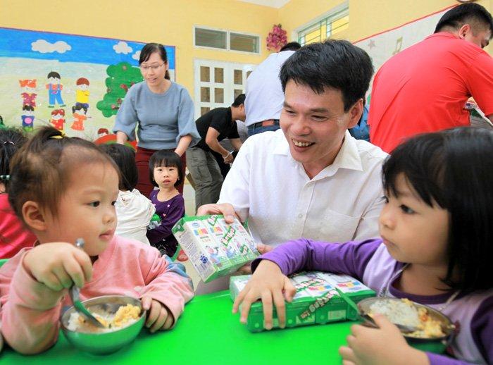 Vinamilk ho tro 3 ty dong cho nguoi dan vung lu Yen Bai, Hoa Binh va Thanh Hoa hinh anh 5