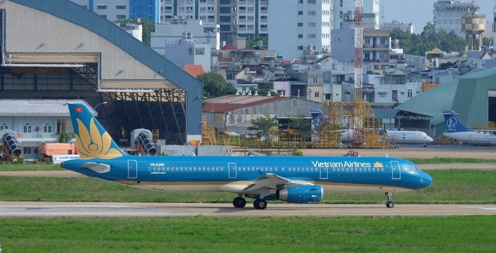 Vietnam Airlines bo tri them chuyen bay thang den Thuong Chau phuc vu nguoi ham mo co vu doi tuyen U23 Viet Nam hinh anh 1