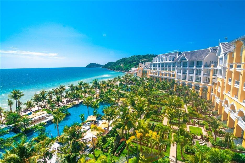 Tap doan Sun Group moi doi tuyen U23 Viet Nam nghi duong xa hoi mot tuan tai JW Marriott Phu Quoc Emerald Bay hinh anh 1