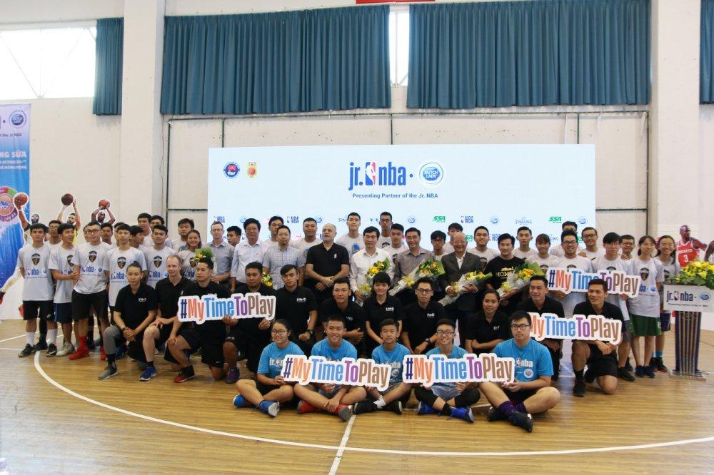 Chuong trinh Jr. NBA Viet Nam lan thu 5 dong hanh boi Sua Co Gai Ha Lan hinh anh 3
