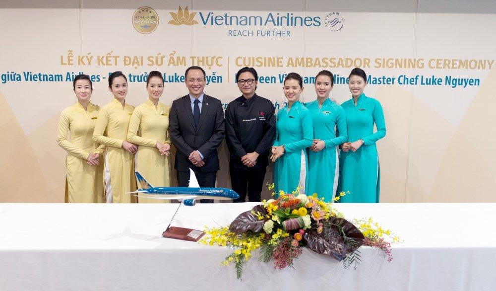 Vietnam Airlines cong bo Dai su Am thuc Toan cau Luke Nguyen hinh anh 3