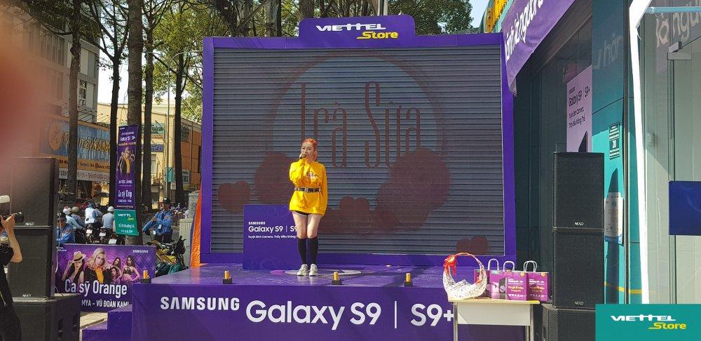 Suc hut cua chuong trinh Tro gia 8 trieu trong ngay dau mo ban Galaxy S9/S9+ tai Viettel Store hinh anh 5