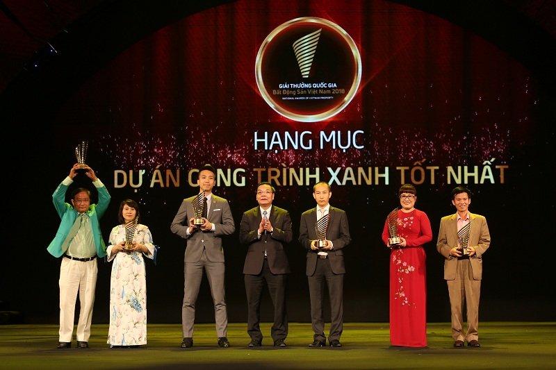 Nha phat trien BDS xanh Capital House dat cu dup Giai thuong Quoc gia Bat dong san Viet Nam 2018 hinh anh 1