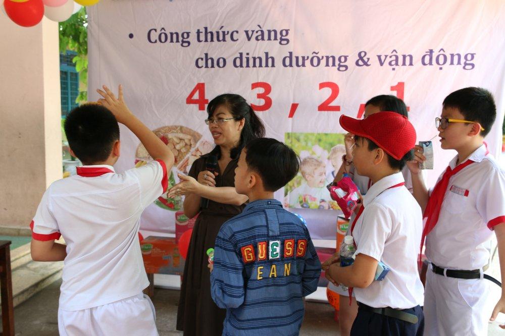 FrieslandCampina Viet Nam dong hanh cung ngay hoi hoc sinh tieu hoc Da Nang hinh anh 3