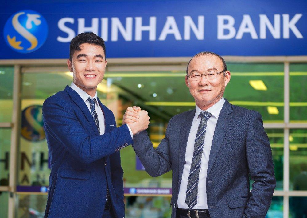 HLV Park Hang Seo va Doi truong U23 Luong Xuan Truong la dai su thuong hieu 2018 cua Ngan hang Shinhan hinh anh 1