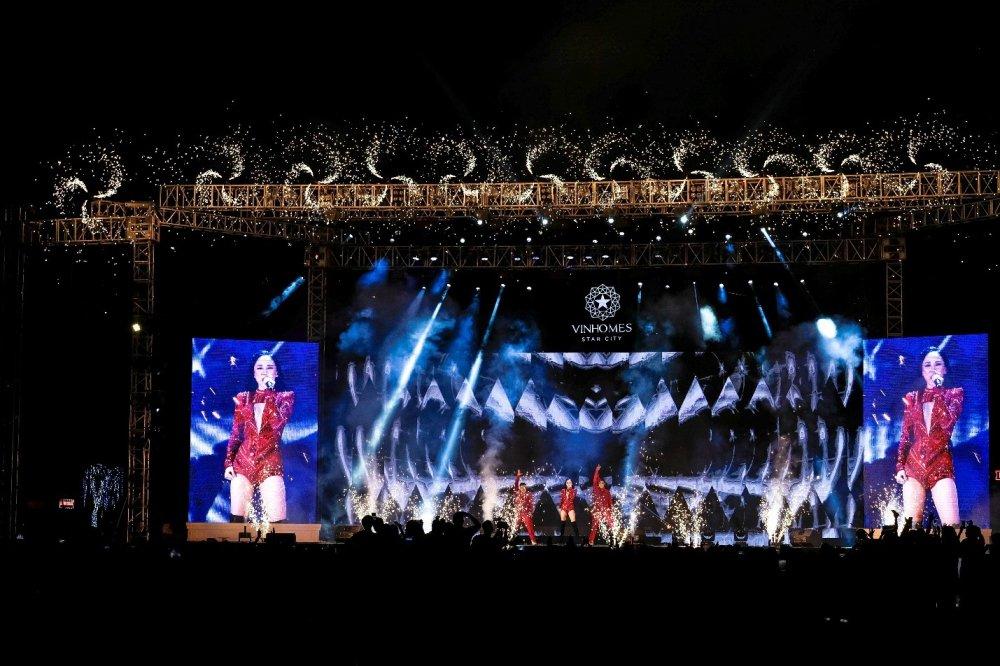 Dai nhac hoi 'Vu dieu ngoi sao': Rang ro Vinhomes Star City hinh anh 5