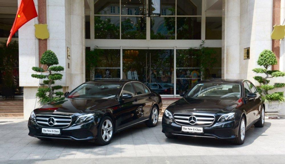 Khach san 5 sao Rex Hotel don chao bo doi Mercedes-Benz E 250 the he moi hinh anh 2