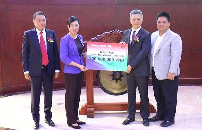 Techcombank chinh thuc niem yet hon 1,16 ty co phieu hinh anh 2