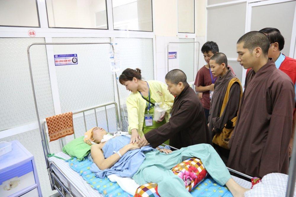 Benh vien da khoa tinh Phu Tho: Khai truong Noi chao nghia tinh nam 2018 hinh anh 6