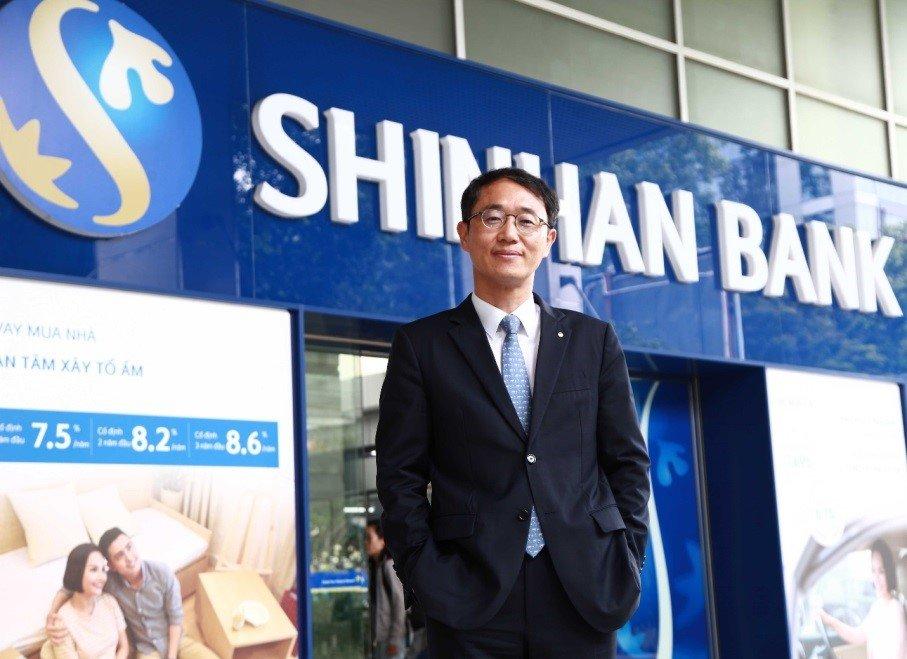 Tong Giam doc Shinhan Viet Nam – ong Shin Dong Min: 'Muc tieu lon can no luc lon' hinh anh 2