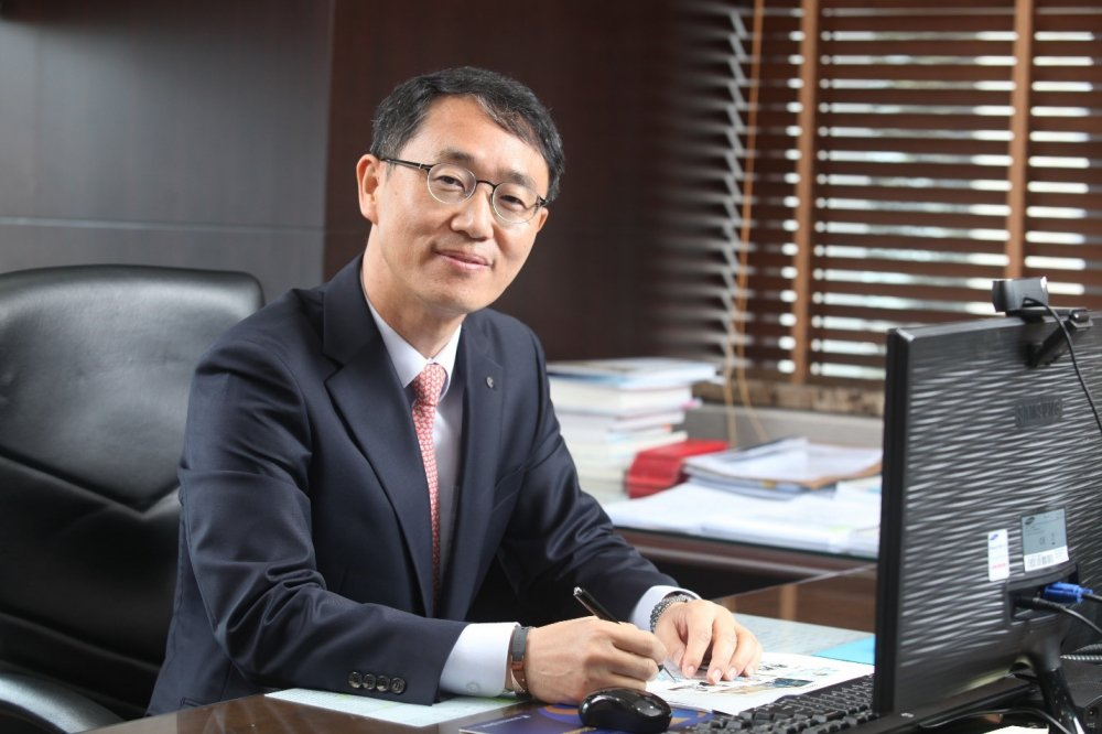 Tong Giam doc Shinhan Viet Nam – ong Shin Dong Min: 'Muc tieu lon can no luc lon' hinh anh 3