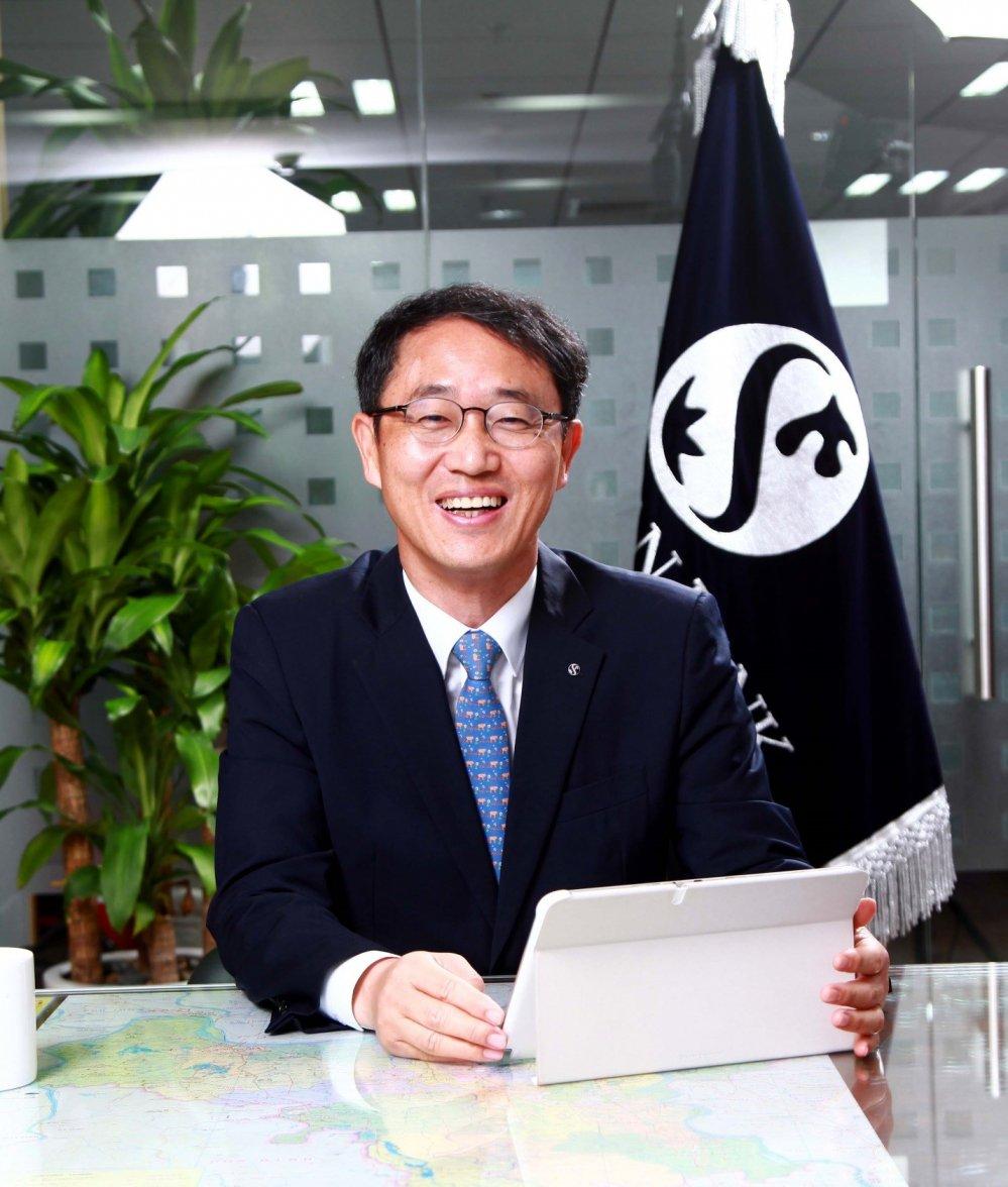 Tong Giam doc Shinhan Viet Nam – ong Shin Dong Min: 'Muc tieu lon can no luc lon' hinh anh 5