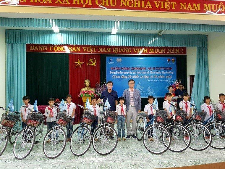 Tong Giam doc Shinhan Viet Nam – ong Shin Dong Min: 'Muc tieu lon can no luc lon' hinh anh 6