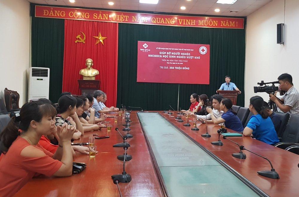 TMS Group: Trao tang 350 trieu dong ho tro nan nhan chat doc da cam, nguoi ngheo tai Vinh Phuc hinh anh 2
