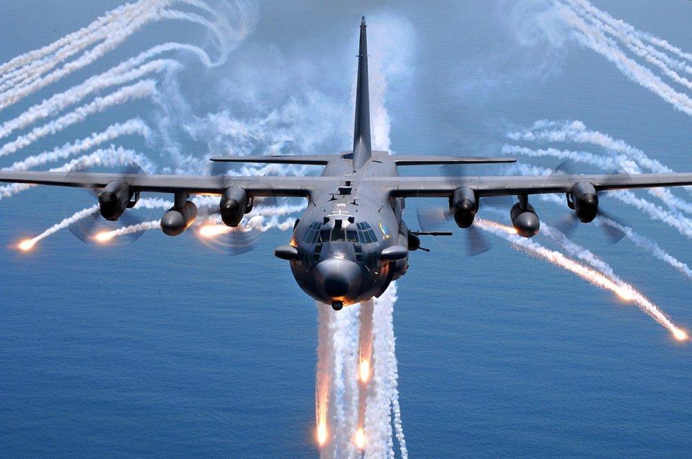 Kham pha C-130, may bay van tai 63 nam tuoi vua den Da Nang hinh anh 3