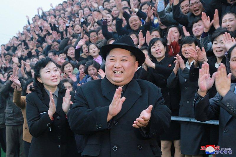 Anh: Ong Kim Jong-un tham truong cao dang hien dai o Binh Nhuong hinh anh 1