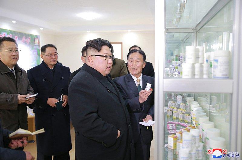 Anh: Ong Kim Jong-un va vo tham nha may duoc lau doi nhat Trieu Tien hinh anh 8