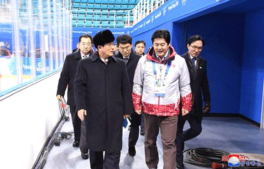 Anh: Dai dien 2 mien Trieu Tien khao sat co so phuc vu Olympic Mua dong 2018 hinh anh 7