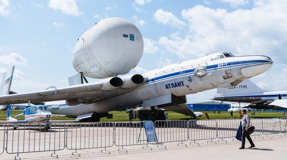 Anh: Myasishchev M-4, doi thu dang gom cua phao dai bay B-52 hinh anh 12