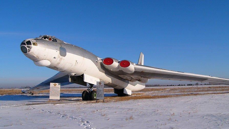 Anh: Myasishchev M-4, doi thu dang gom cua phao dai bay B-52 hinh anh 1