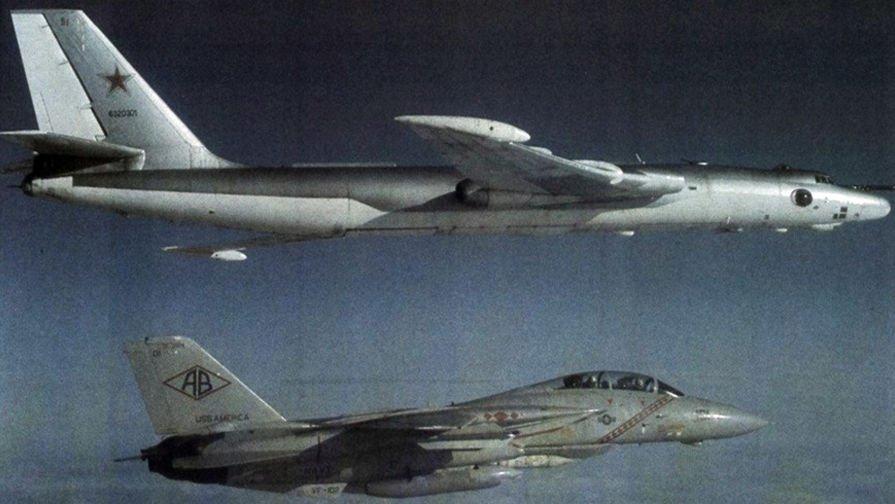 Anh: Myasishchev M-4, doi thu dang gom cua phao dai bay B-52 hinh anh 5