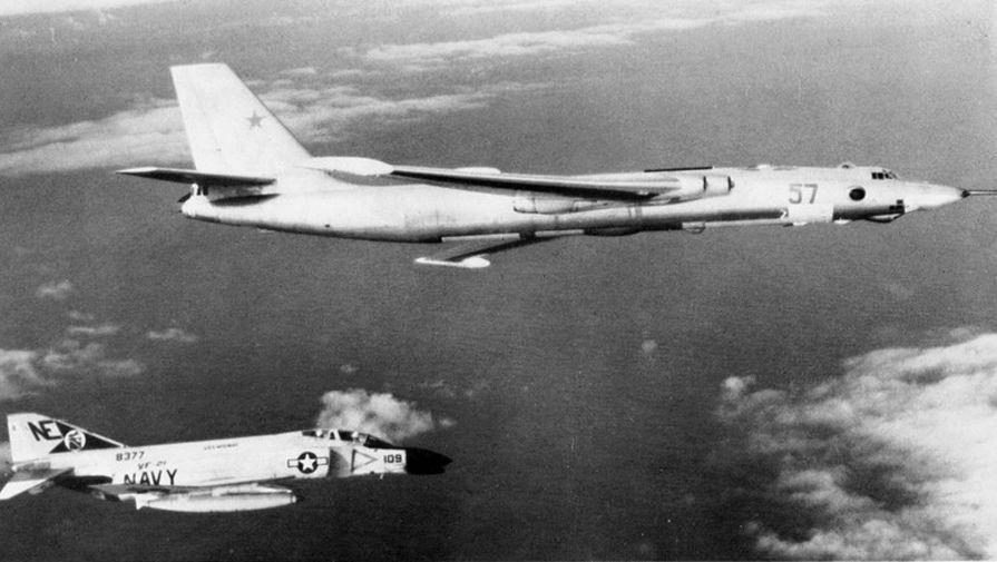 Anh: Myasishchev M-4, doi thu dang gom cua phao dai bay B-52 hinh anh 4