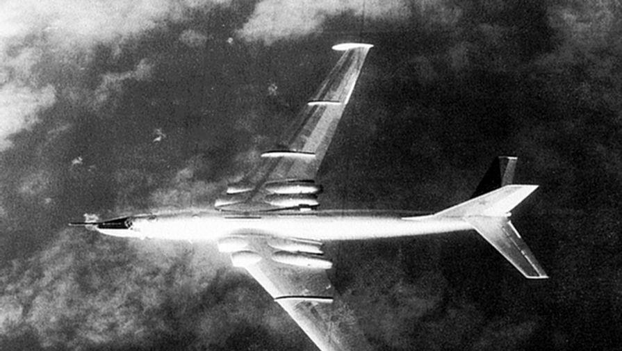 Anh: Myasishchev M-4, doi thu dang gom cua phao dai bay B-52 hinh anh 2