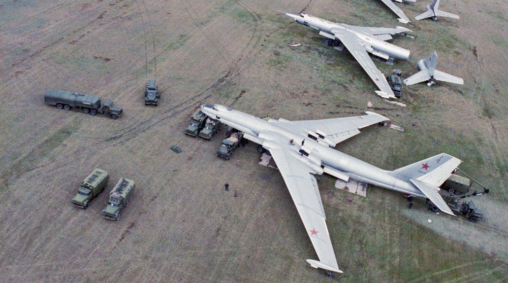 Anh: Myasishchev M-4, doi thu dang gom cua phao dai bay B-52 hinh anh 7