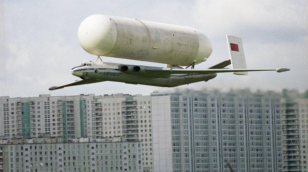 Anh: Myasishchev M-4, doi thu dang gom cua phao dai bay B-52 hinh anh 9